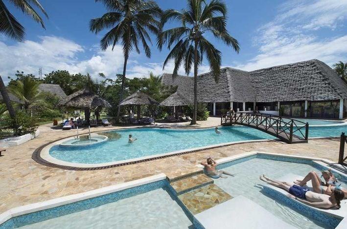 Uroa Bay Beach Resort -