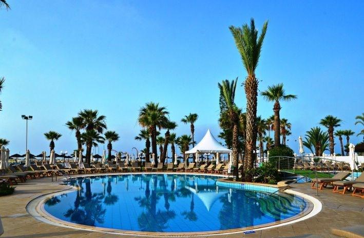 The Golden Bay Beach - Jižní Kypr - Larnaka