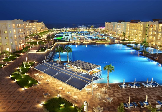 Albatros White Beach Resort -