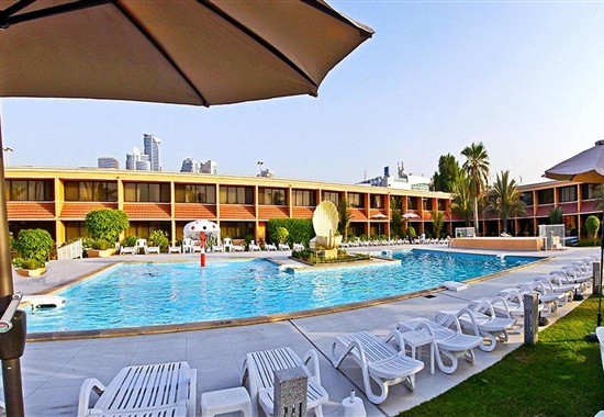 Lou Lou A Beach Resort -