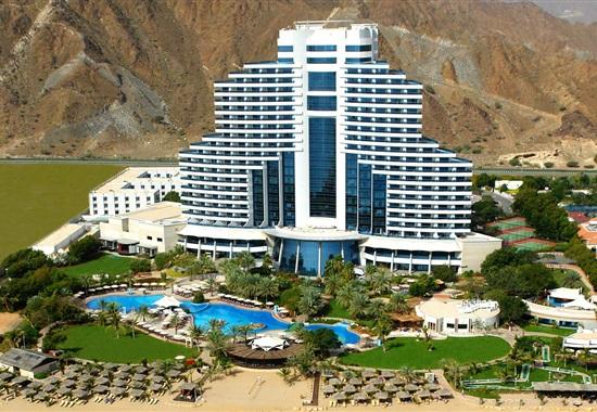 Le Meridien Al Aqah Beach Resort -