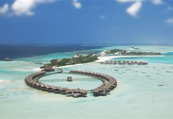 Olhuveli Beach & SPA Resort -