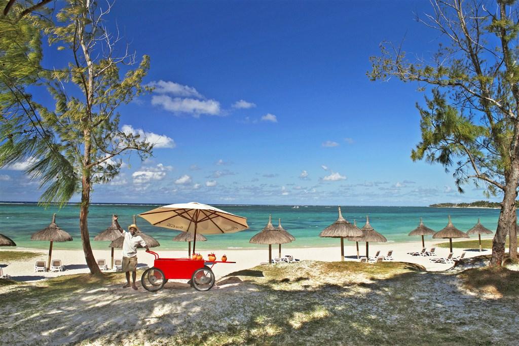 Emeraude Beach Attitude -